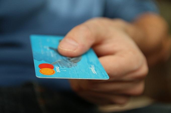 個人事業主のクレジットカードによる取引の  処理方法と税金について