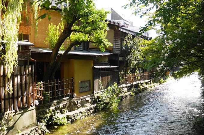 京都市に宿泊税が導入されることが決定、  法人の税金はどうなるの?