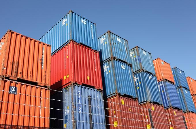 輸出入と消費税には密接な関係が!  新制度「リバースチャージ」にも注意